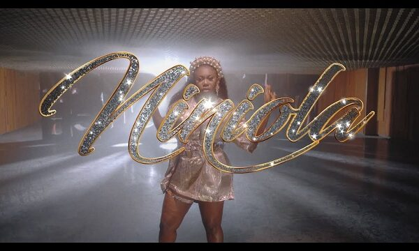 Niniola – Addicted (Video)
