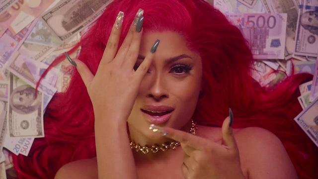 Lola Rae – Shower Me (Video)