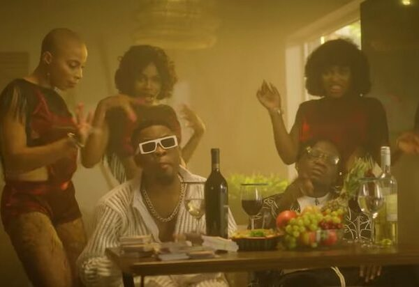 Umu Obiligbo – Enjoyment (Video)